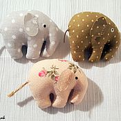 Сувениры и подарки ручной работы. Ярмарка Мастеров - ручная работа Магнит слоник в горошек. Handmade.