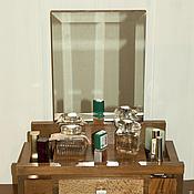 Для дома и интерьера ручной работы. Ярмарка Мастеров - ручная работа Полочка для косметики и украшений с зеркалом. Handmade.