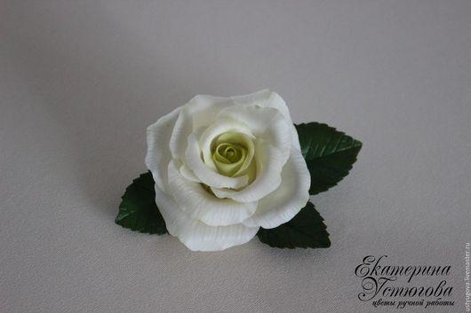 Броши ручной работы. Ярмарка Мастеров - ручная работа. Купить Брошь Белая роза из полимерной глины (холодного фарфора). Handmade.