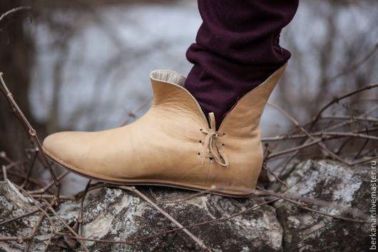 Обувь ручной работы. Ярмарка Мастеров - ручная работа. Купить Классические средневековые ботинки XIV век. Handmade. Средневековые ботинки