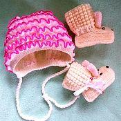Комплект из шарфа и шапки ручной работы. Ярмарка Мастеров - ручная работа Комплект для новорождённого шапка + пинетки Нежность. Handmade.