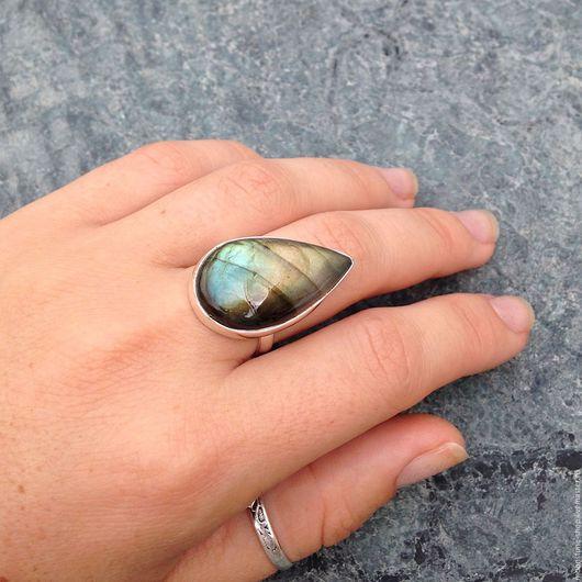 """Кольца ручной работы. Ярмарка Мастеров - ручная работа. Купить Кольцо """"Зеленая капля"""". Handmade. Серебряное кольцо, зеленый лабрадорит"""