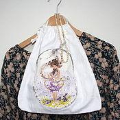 Одежда ручной работы. Ярмарка Мастеров - ручная работа Девушка-Весна и зайчики. Мешочек для хранения белья. Handmade.