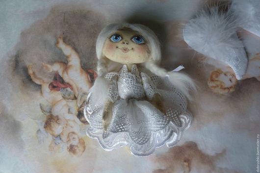 Коллекционные куклы ручной работы. Ярмарка Мастеров - ручная работа. Купить Маленький ангел.Текстильная игрушка. Оберег в машину.. Handmade.