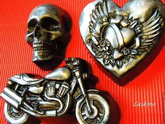 Подарочные наборы косметики ручной работы. Ярмарка Мастеров - ручная работа. Купить БАЙКЕРУ, рокеру,  мотоциклисту, подарочный набор мыла. Handmade.