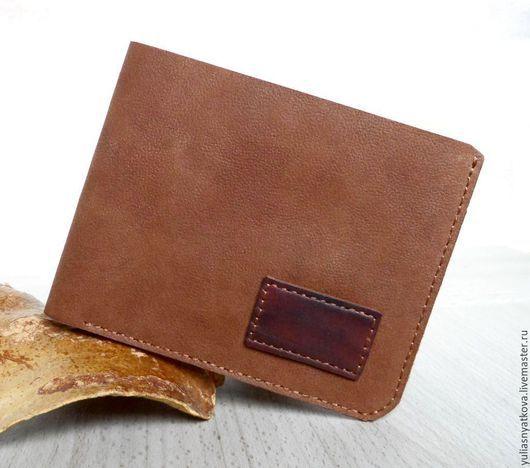 кожаный кошелек ручной работы с вашими инициалами на заказ