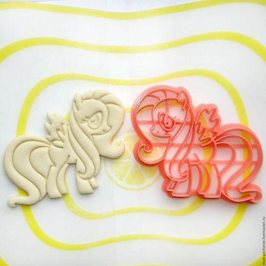 Пони Флаттершай. Вырубка-штамп для пряников, печенья, мастики, поделок из соленого теста. Пример вырубки на соленом тесте.