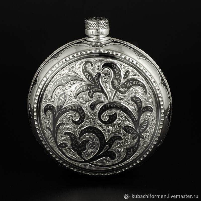 Серебряная круглая двухсторонняя фляга «Бурлеск», Подарки, Москва, Фото №1