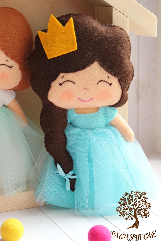 Платье из фетра на куклу