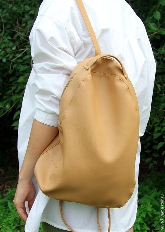 Рюкзаки ручной работы. Ярмарка Мастеров - ручная работа. Купить Темно-бежевый рюкзак. Handmade. Бежевый, простой рюкзак