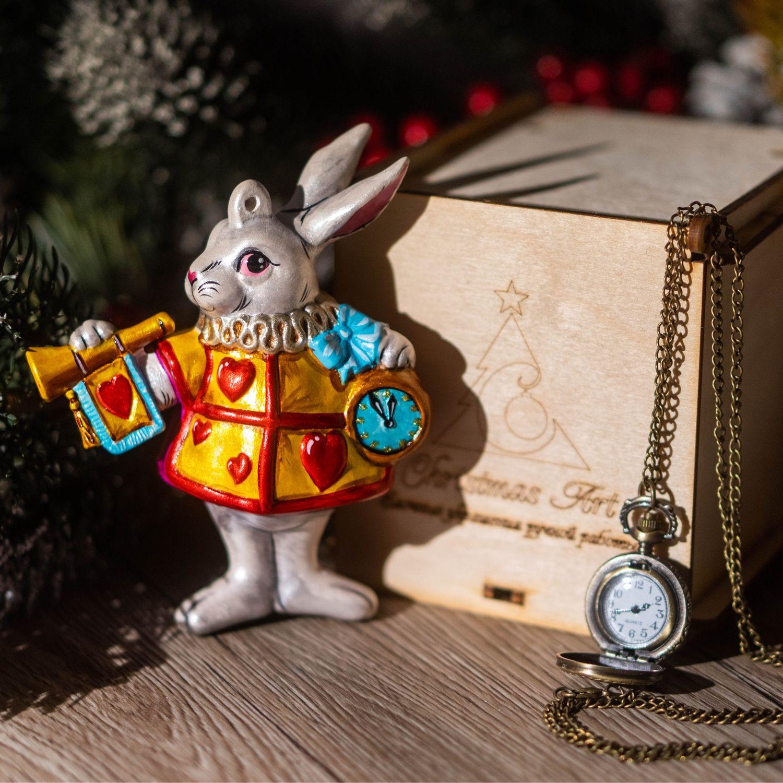 Елочная игрушка Новогодняя фарфоровая елочная игрушка Кролик Из Алисы, Елочные игрушки, Москва,  Фото №1