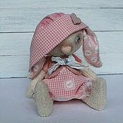 Куклы и игрушки ручной работы. Ярмарка Мастеров - ручная работа Зайка в чепчике. Любимая игрушка.. Handmade.