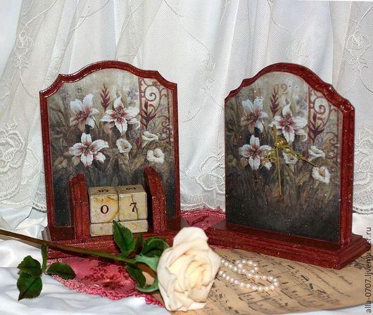 """Часы для дома ручной работы. Ярмарка Мастеров - ручная работа. Купить Набор """"Лилии в старом саду"""". Handmade. Часы, бордовый"""