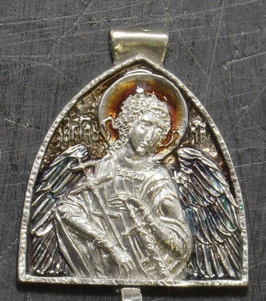 Медальон из пьютера с цветной холодной эмалью - 900 рублей