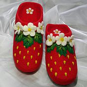 Обувь ручной работы. Ярмарка Мастеров - ручная работа Клубнички. Валяные тапочки.. Handmade.