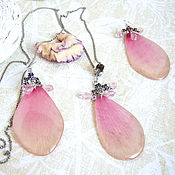 Украшения handmade. Livemaster - original item Set of Earrings and Pendant with Rose Petals Costume jewelry Resin Eco Boho. Handmade.