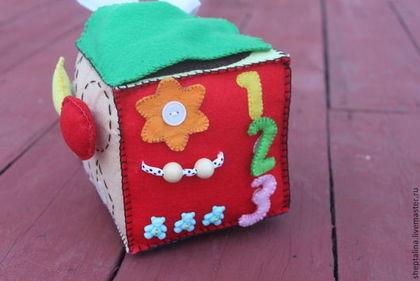 Развивающие игрушки ручной работы. Ярмарка Мастеров - ручная работа Кубик развивающий 13см. Handmade.
