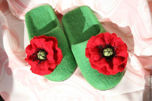"""Обувь ручной работы. Ярмарка Мастеров - ручная работа. Купить Тапочки валяные """"Маки"""". Handmade. Зеленый, Тапочки ручной работы"""