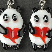 панда кулон лэмпворк черный белый красное сердце влюбленным