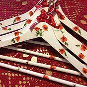 """Для дома и интерьера ручной работы. Ярмарка Мастеров - ручная работа Вешалки-плечики """"Маков цвет"""". Handmade."""