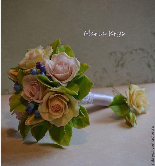 Букеты ручной работы. Ярмарка Мастеров - ручная работа. Купить Букетик из роз, листьяв и ягод черники. Handmade. Бледно-розовый
