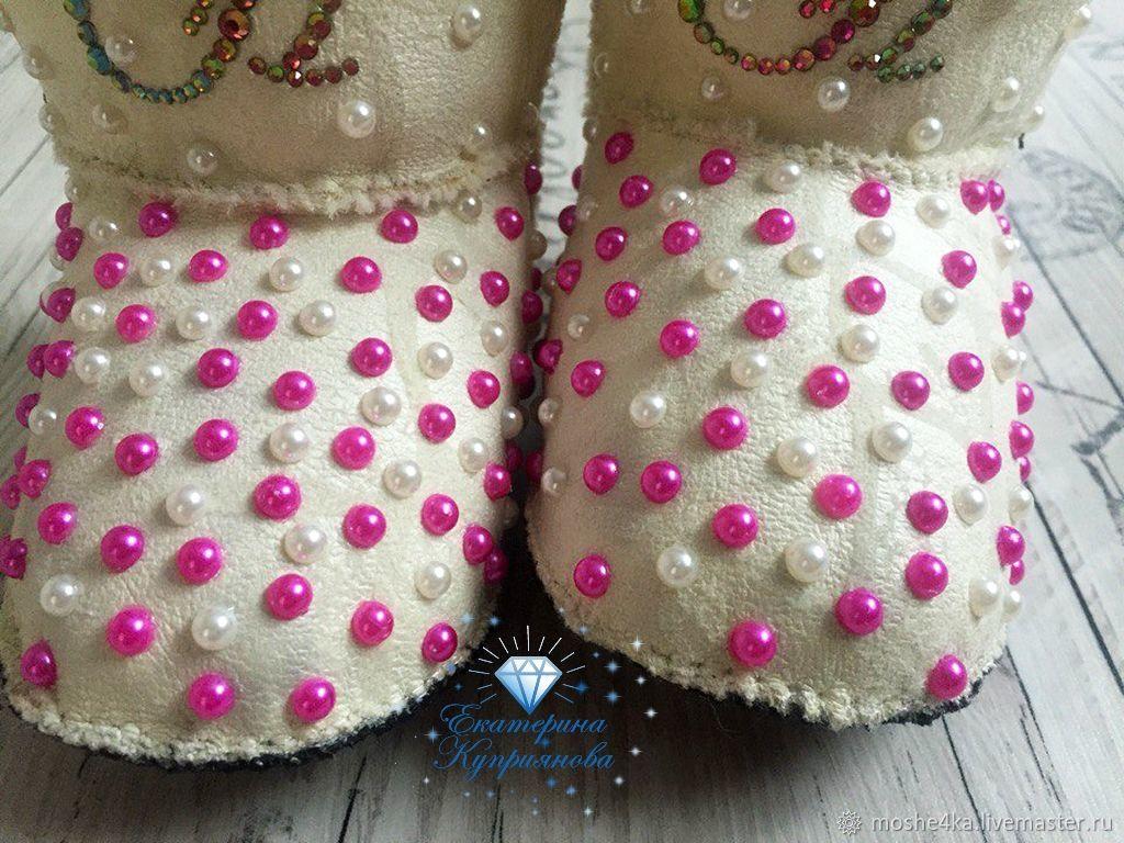 Купить Пинетки-угги (сапожки · Обувь ручной работы. Пинетки-угги (сапожки)  со стразами. Екатерина Куприянова. ... 162d2504701