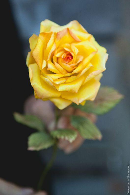 Шелковая желтая роза ручной работы!