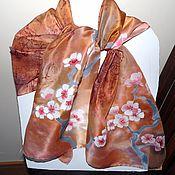 Аксессуары ручной работы. Ярмарка Мастеров - ручная работа шелковый бежевый шарф с сакурой ручной работы. Handmade.