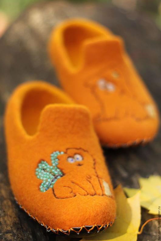 """Обувь ручной работы. Ярмарка Мастеров - ручная работа. Купить Женские валяные тапочки """"Бони и Жози  """". Handmade."""