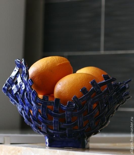 Конфетницы, сахарницы ручной работы. Ярмарка Мастеров - ручная работа. Купить Плетеная ваза для фруктов. Керамика.. Handmade. Тёмно-синий