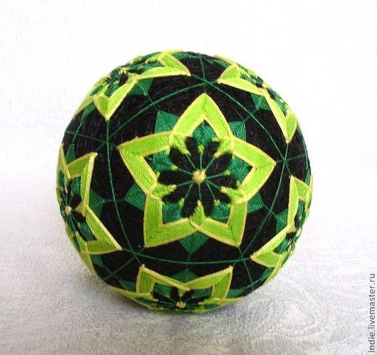 """Темари ручной работы. Ярмарка Мастеров - ручная работа. Купить Темари """"Звездочки"""". Handmade. Зеленый, черно-зеленый, подарок, мяч"""