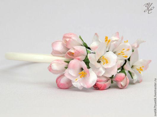 Веточка яблони, ободок с веточкой яблони, яблоневый цвет, яблоня в цвету, цветы яблони, Атласные фантазии, Светлана Усачева