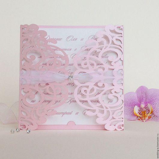 Перламутровый розовы ( есть другие оттенки розового)