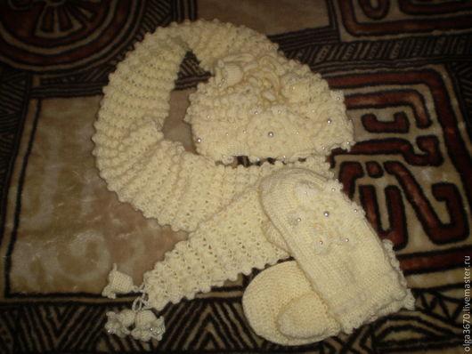 """Комплекты аксессуаров ручной работы. Ярмарка Мастеров - ручная работа. Купить Комплект """"Снежинка"""" (Шапка-шарф и рукавички). Handmade. Белый"""