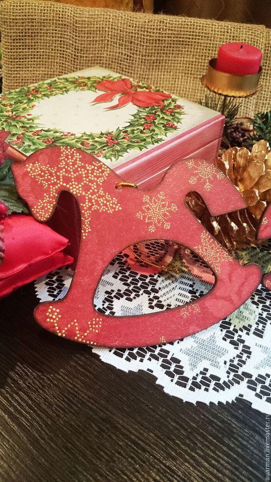 Новый год 2017 ручной работы. Ярмарка Мастеров - ручная работа. Купить Лошадки на елку деревянные Новогодние, украшения на елку. Handmade.