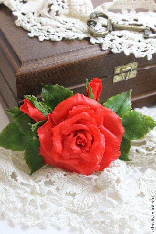 Заколки ручной работы. Ярмарка Мастеров - ручная работа. Купить Заколка-зажим Алая роза. Холодный фарфор.. Handmade.