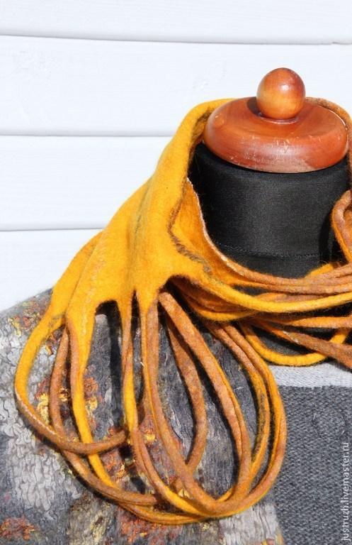 """Шарфы и шарфики ручной работы. Ярмарка Мастеров - ручная работа. Купить Валяный шарф-бусы """"Янтарь"""". Handmade. Желтый, оригинальный"""