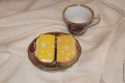 Персональные подарки ручной работы. Ярмарка Мастеров - ручная работа. Купить Бутерброд с сыром. Handmade. Бутерброд, сувенир, мыльная основа