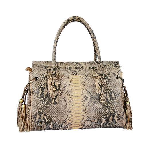 Сумка из кожи питона. Удобная повседневная женская сумка из питона. Модная питоновая сумка на каждый день. Стильная авторская сумка из кожи питона. Красивая женская сумка на работу. Сумка питон.