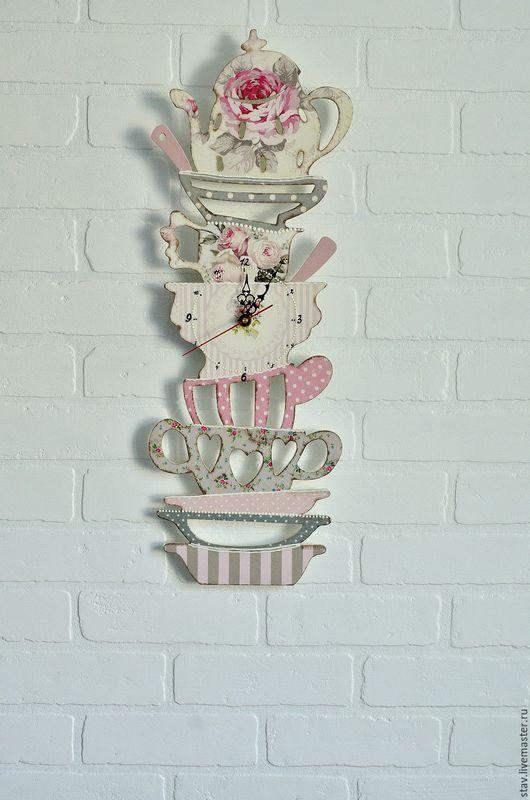 Часы для дома ручной работы. Ярмарка Мастеров - ручная работа. Купить Часы декупаж прованс,шебби,винтаж,серый,розовый,гора посуды,розы. Handmade.