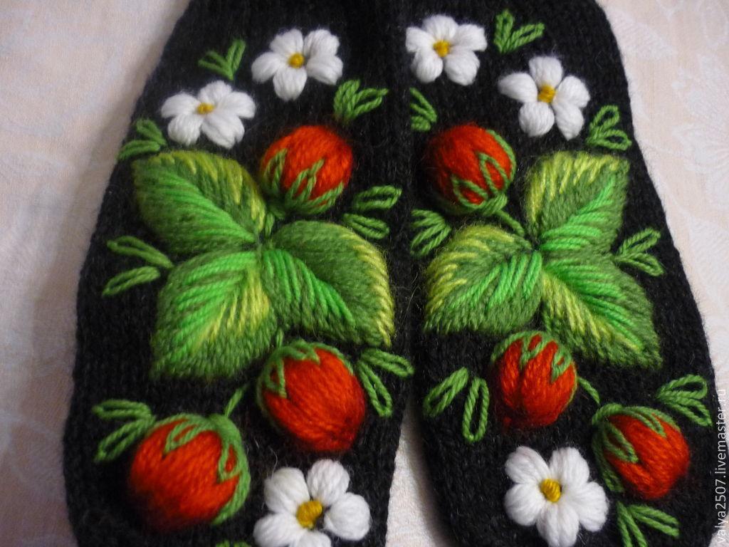 Вышивка шерстяными нитками объемных цветов на изделиях