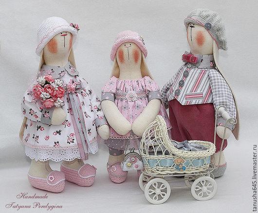 Куклы Тильды ручной работы. Ярмарка Мастеров - ручная работа. Купить Семейка дружных заек.. Handmade. Зайцы, интерьерная кукла