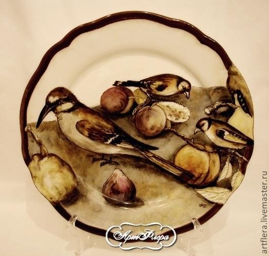 """Тарелки ручной работы. Ярмарка Мастеров - ручная работа. Купить Роспись фарфора.Тарелка фарфоровая """" Птицы и фрукты"""". Handmade."""