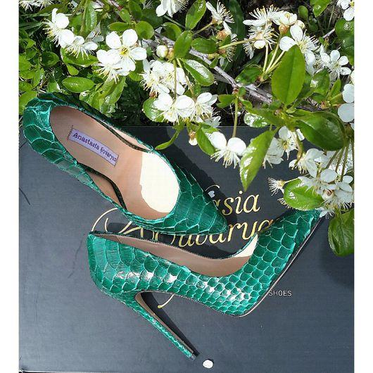 Обувь ручной работы. Ярмарка Мастеров - ручная работа. Купить Туфли лодочки Green python skin. Handmade. Туфли