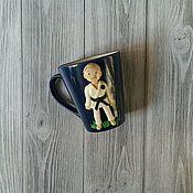 Подарки к праздникам ручной работы. Ярмарка Мастеров - ручная работа Подарок тренеру по шотокан и каратэ. Кружка с декором. Handmade.