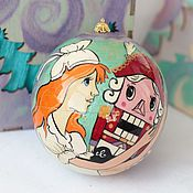 Подарки к праздникам handmade. Livemaster - original item Christmas ball-box of wood 10cm.
