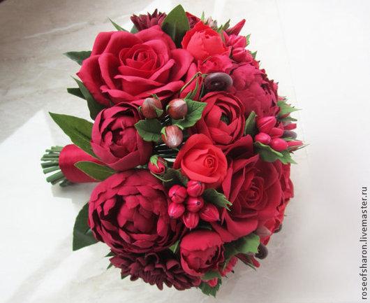 Свадебные цветы ручной работы. Ярмарка Мастеров - ручная работа. Купить Свадебный букет с красными розами. Handmade. Бордовый