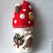 Подарки к праздникам ручной работы. Ярмарка Мастеров - ручная работа Ёлочная игрушка Домик Грибок. Handmade.