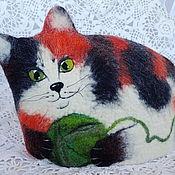 Для дома и интерьера ручной работы. Ярмарка Мастеров - ручная работа Кошка трёхцветная. Войлочная грелка для чайника.. Handmade.