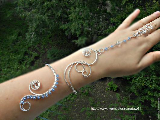 """Браслеты ручной работы. Ярмарка Мастеров - ручная работа. Купить Слейв-браслет """"Княжна"""" нежно-голубой (браслет с кольцом,нежный,летний). Handmade."""